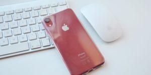 Průhledný kryt na iPhone
