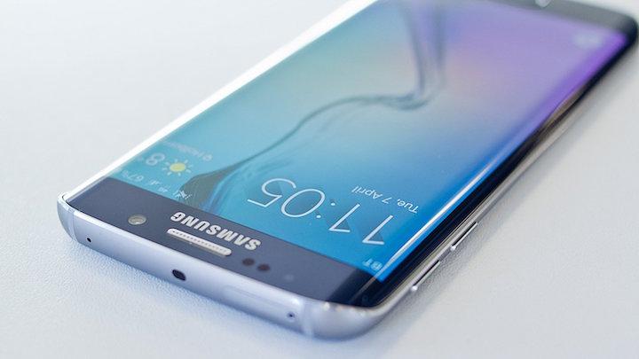 Samsung doufá, že nový Galaxy S7 zastaví přechod uživatelů k