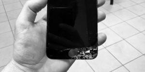 Výměna displeje iPhonu 4