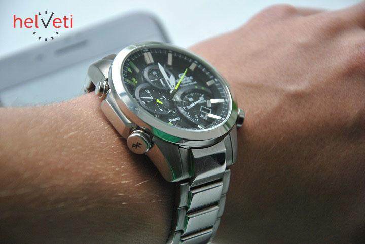 Recenze  Chytré hodinky Casio EQB 500D-1A upoutají dynamickým ... 440cbaf8fb